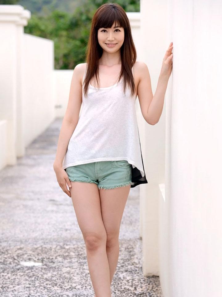 AV女優の彩夏
