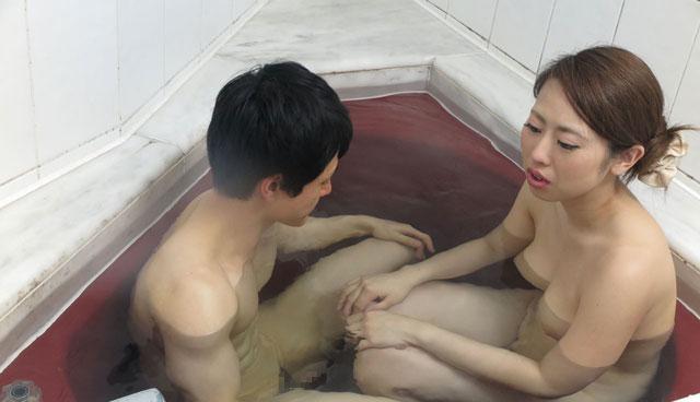 お風呂に入る桐原莉那