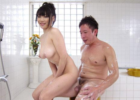 お風呂で奉仕する上原保奈美