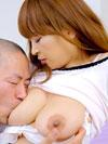 乳首を吸われる若林ひかる