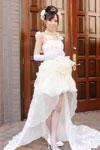 ドレス姿の山手栞